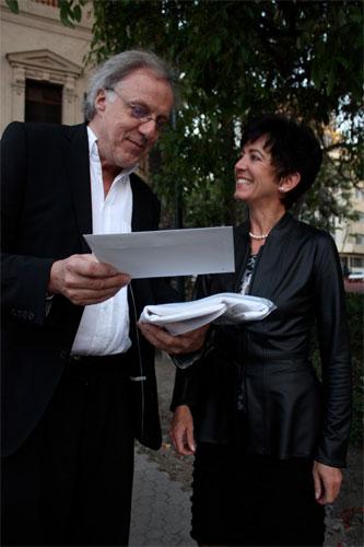 Louis von Adelsheim mit der Schweizer Botschafterin Yvonne Baumann